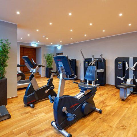 Fitnessraum - Trainingsgeräte